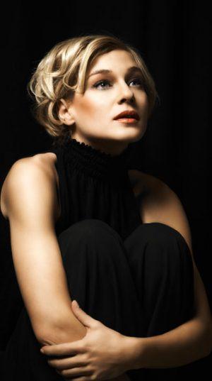 Valerie Sajdik fotografiert im Studio Mischa Nawrata am 23. Dezember 2009;