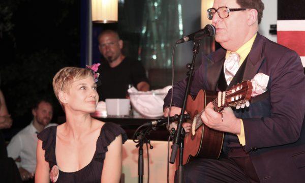 with Earl Okin chez Valeries Salon, Summerstage, Vienna, 2011